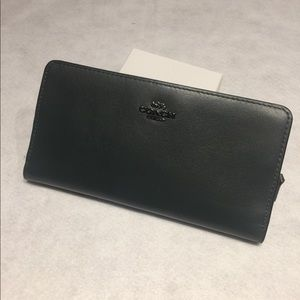 NWT COACH SMOOTH LEATHER SKINNY WALLET